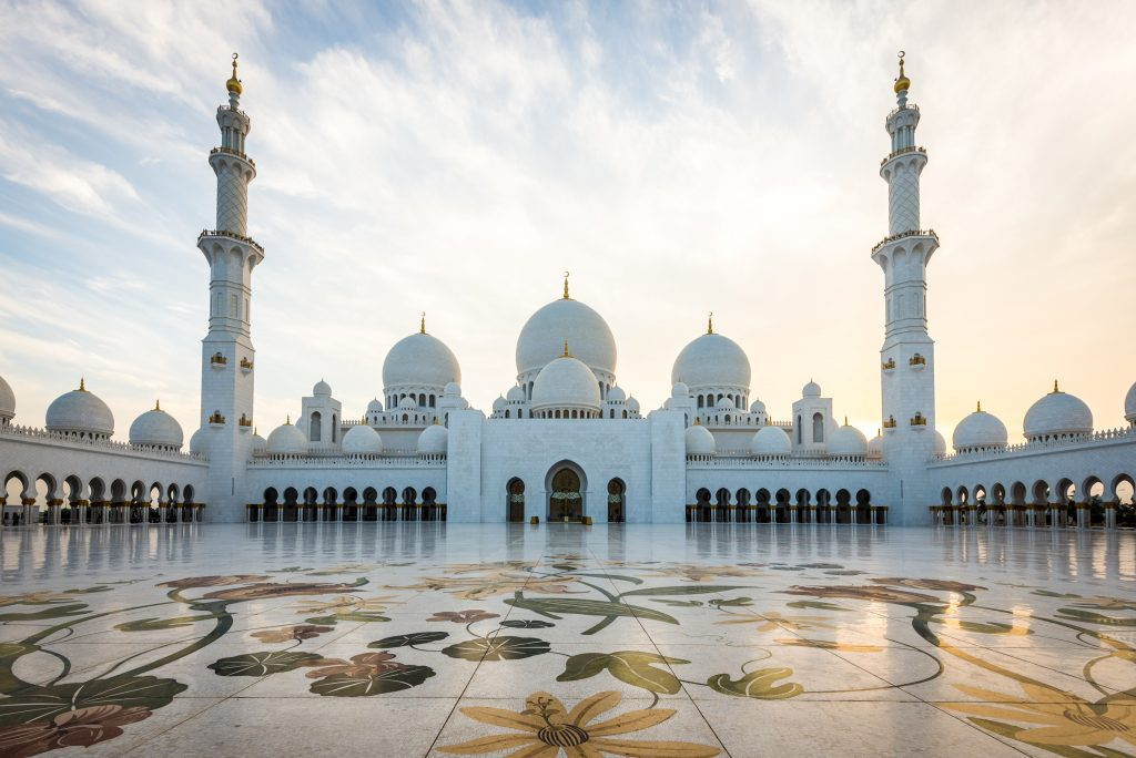 ドバイ abu Sheikh Zayed Grand Mosque 3 shutterstock_139864504