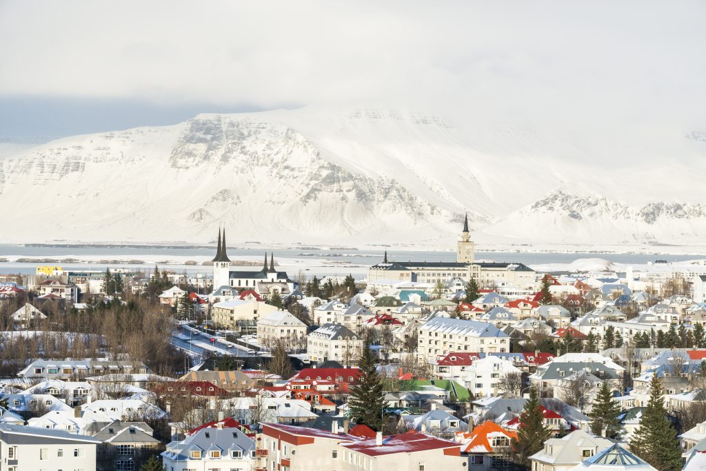 アイスランド Panoramic view of the Reykjavik city from the top of Hallgrimskirkja churchin winter  shutterstock_410397511